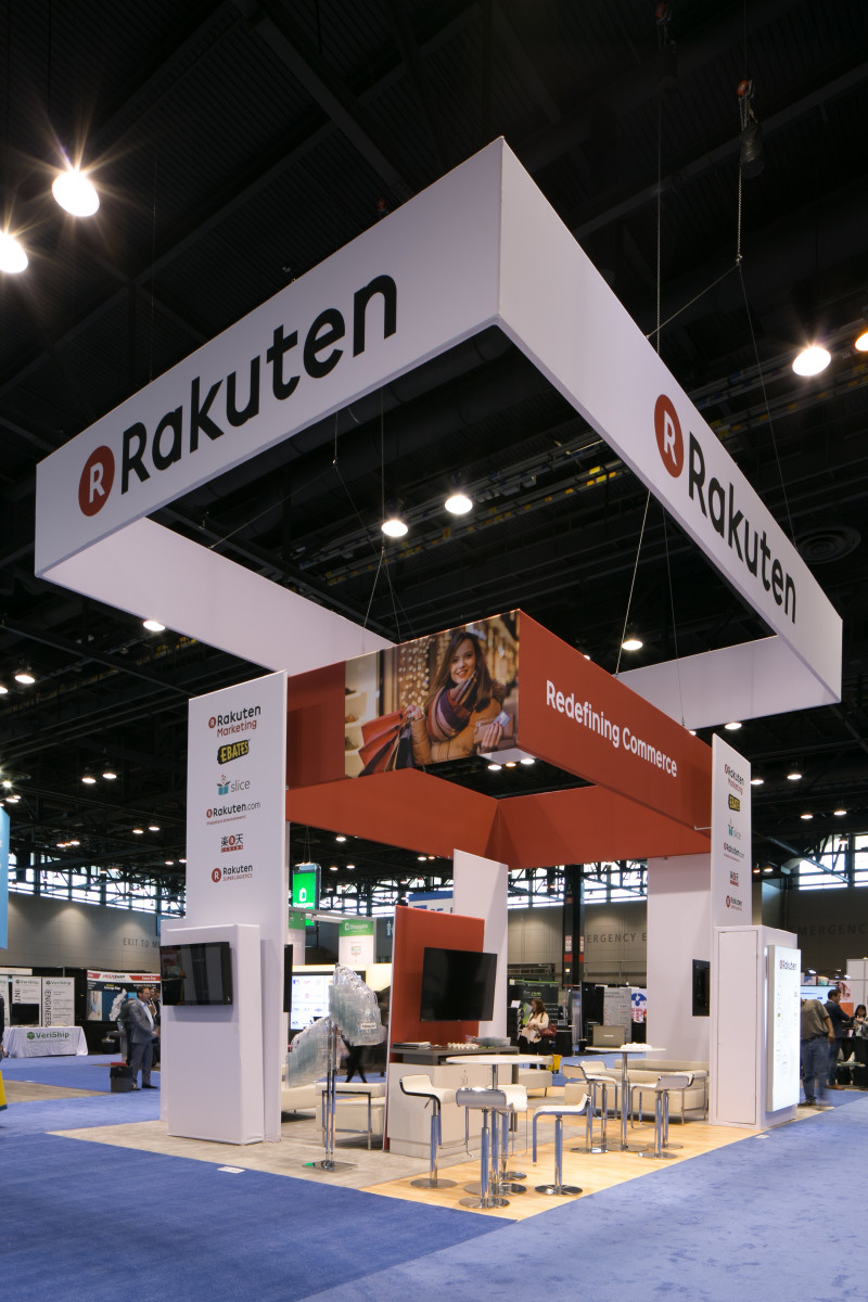 Fabric Trade Show Displays On The Show Floor