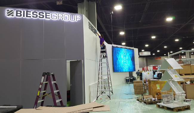 Trade Show Booth Exhibitors : Diy or eac exhibitor appointed contractor for your next trade show